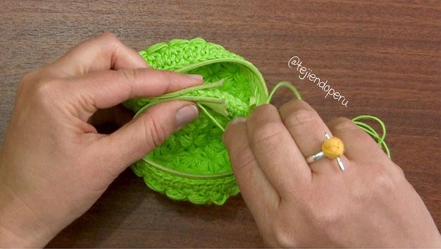 Monedero macarrón tejido a crochet paso a paso