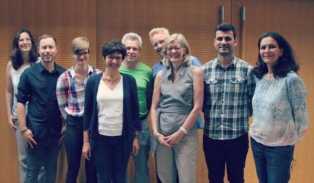 Vorstand (auf dem Bild von links nach rechts): Bettina Graef, Dennis Eidner, Veronika Hess, Sabine Schroter, Kurt Kohl, Matthias Vering, Sandra Hubbe, Karam Khorani und Grana Nawabi