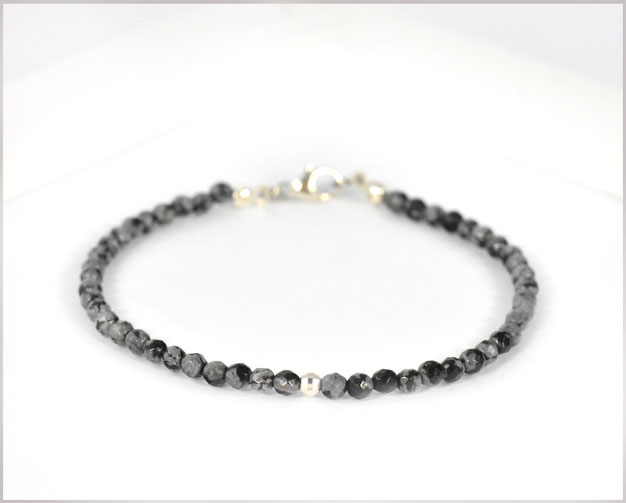 Edelsteinarmband mit 3 mm Obsidian und Silberperle