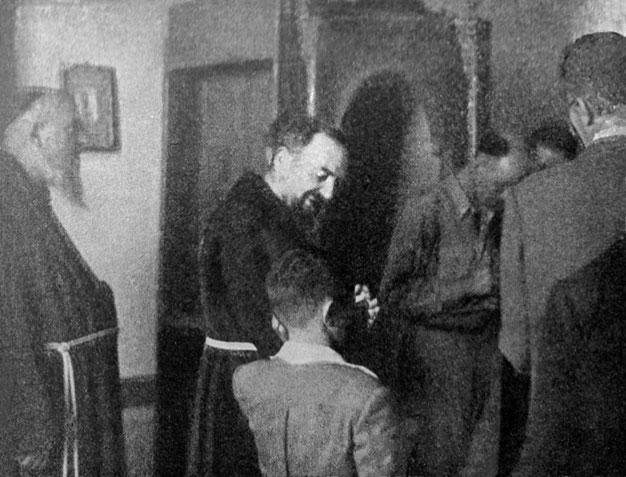 Padre Pio e il suo primo confessionale