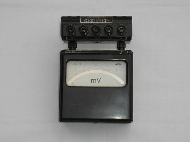 A E G  Millivoltmeter für Geichspannung - Laborgerät