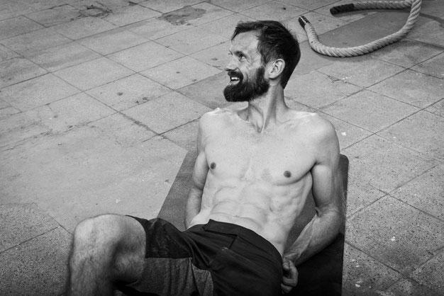 Marco Krahl trainiert oft im Redaktionkeller von Men's Health