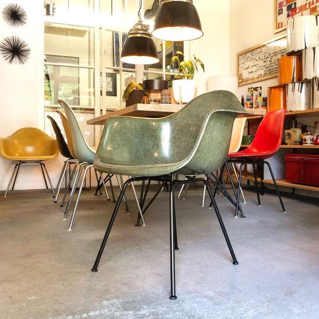 Eames Armchair, Eames Fiberglass Armchair, Olive Green Dark, rare, Herman Miller, Vitra, Concept Modern