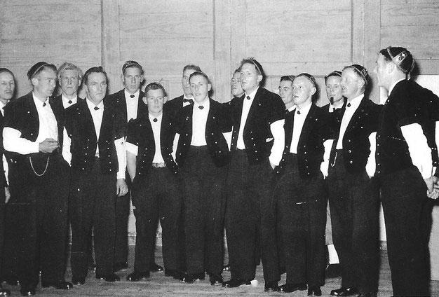 Jodlerklub Blüemlisalp Scharnachtal bei der Gründungsfeier Ende 1956