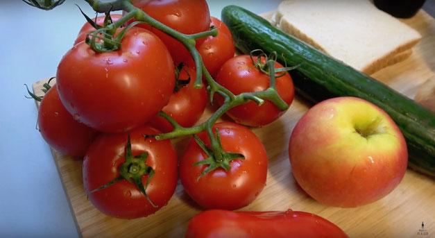 Gazpacho Andaluz - kalte Tomatensuppe aus Spanien