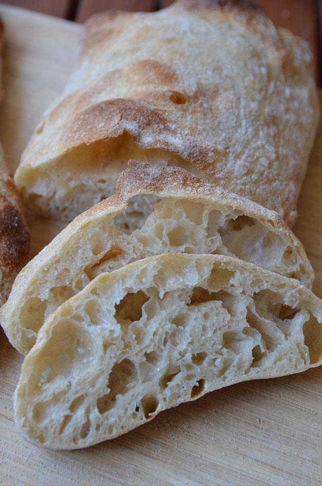 Ciabatta Rezept mit Sauerteig, besser als vom Bäcker