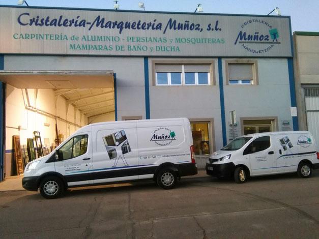 Socuellamos, Carpintería de aluminio, Mamparas de baño y mosquiteras Cristaleria Marqueteria Muñoz