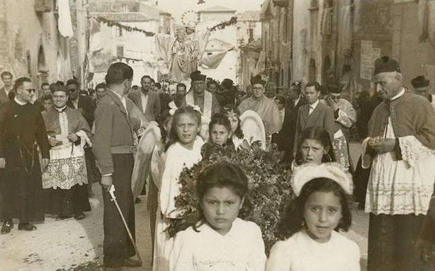 Madonna della Difesa processione in Casacalenda