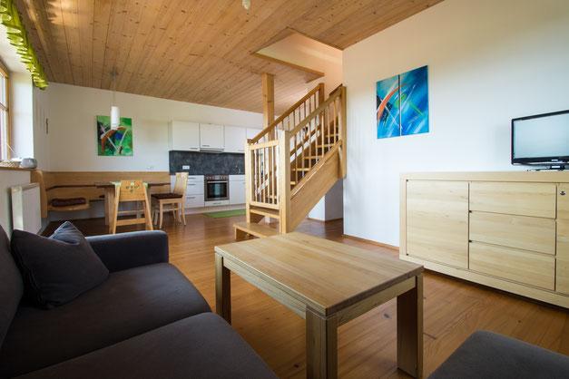 Wohnküche Ferienwohnung Himmelbett am Biobauernhof Stadler