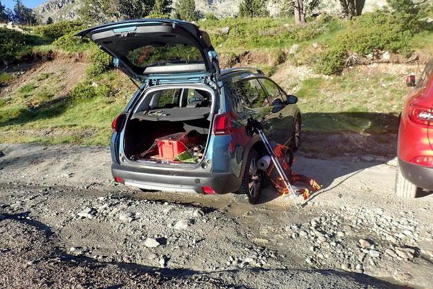 Après la déconvenue de ce matin, arrivée au parking du Lac d'Aubert avant la fermeture de la route à 9h00.