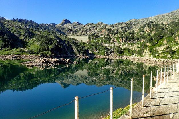 De ce premier barrage, on découvre le Barrage de Gréziolles.
