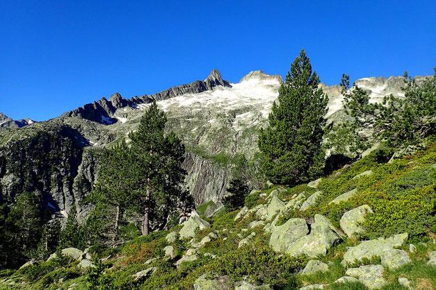 Le Pic de Néouvielle (3091m).