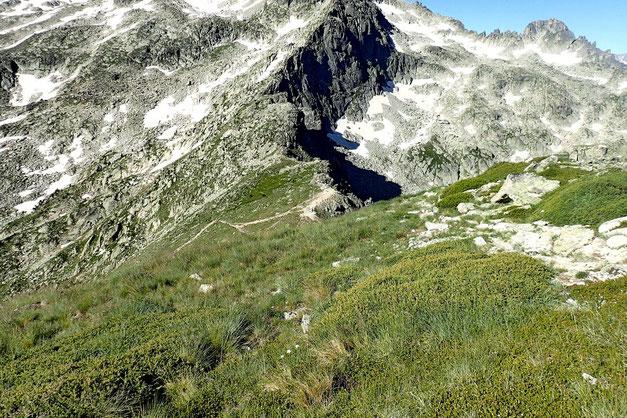 La Hourquette d'Aubert, environ 100 mètres plus bas.
