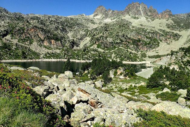 Le Lac de Gréziolles, côté barrage.