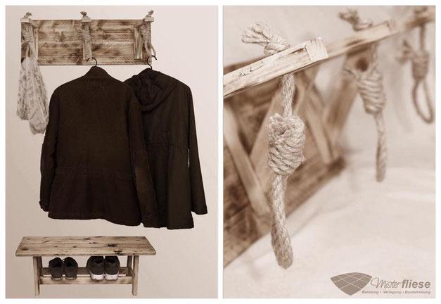 Individuelles Möbelstück. Garderobe mit Schuh- und Taschenablage im mittelalterlichen Stil
