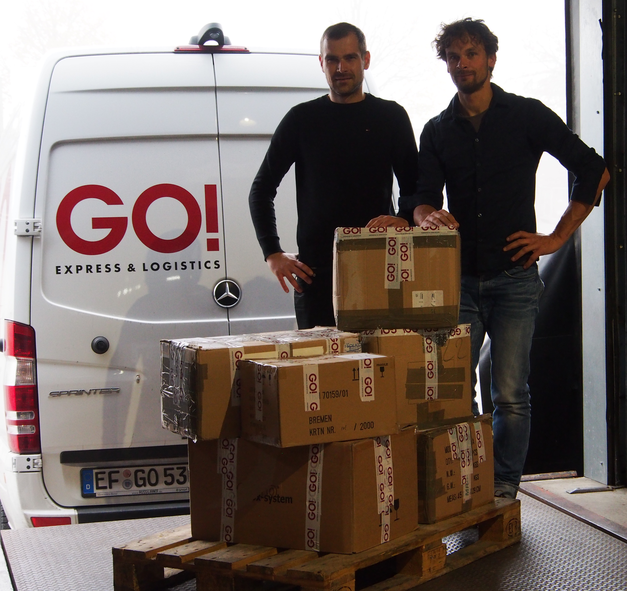 Ready for shipping!  Kay Boog from GO Logistics Erfurt and Swen Boog from the Helping-Hands Association