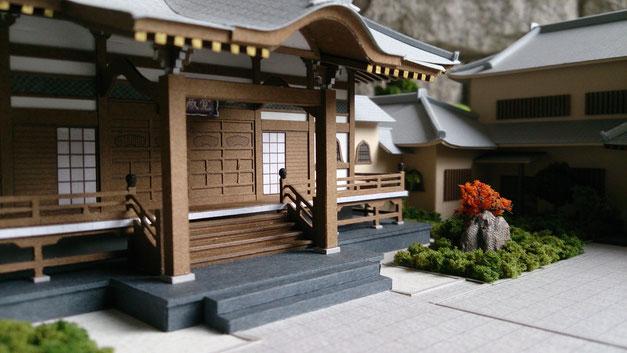 S=1/100寺院、カラーの外観模型|アオキ模型工房|本堂、多宝塔、寺務所、納骨堂、書院、庫裡、休憩所