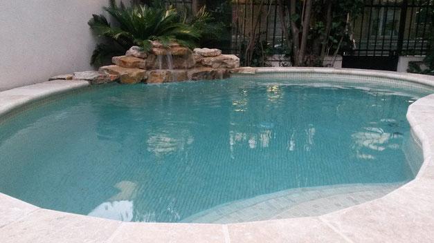 mini-piscine-cascade