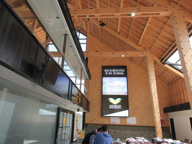 ウシュアイア空港 ターミナル内部