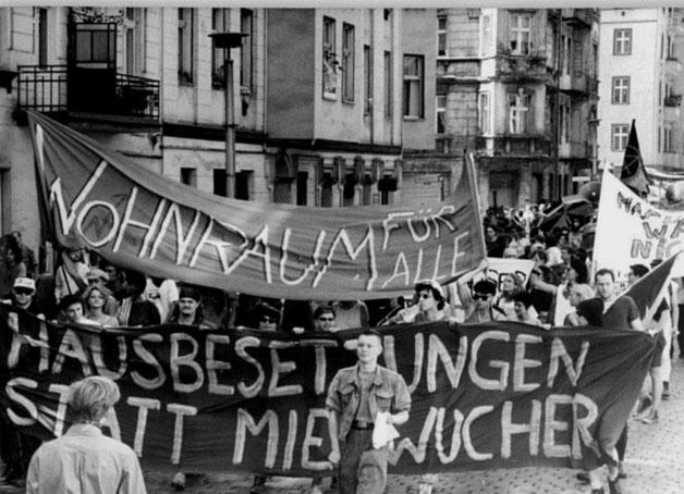 Fælles øst vest bz-demo med omkring 20.000 deltagere i Berlin 1990