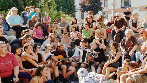 """""""Internationale Anarchistische Treffen"""" med 4.000 deltagere i Schweiz, sommer 2014"""