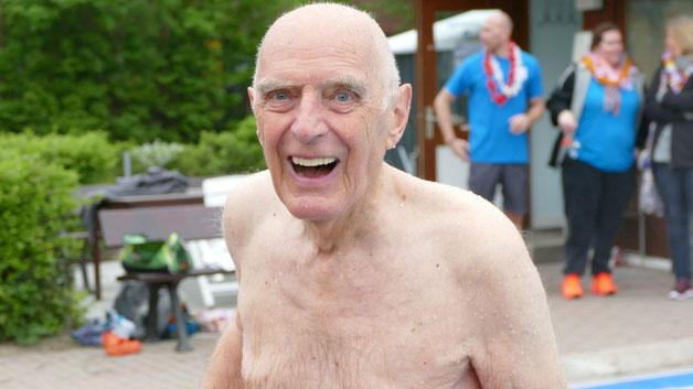 Hans Raubold  ließ es sich mit seinen über 80 Jahren nicht nehmen, die Saison mit zu eröffnen