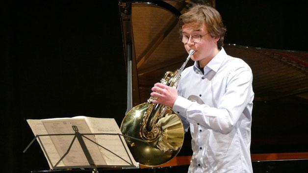 Hornist Florian Hasenfratz überzeugte als Solist ...