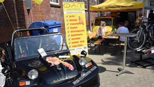 Mit zahlreichen ungewöhnlichen Fahrzeugen sorgte der Zubehör-Händler QAT für Aufmerksamkeit