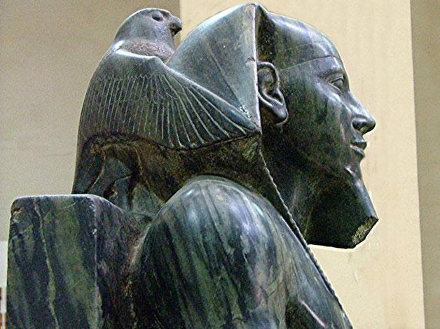 la statue de khéphren musée du Caire