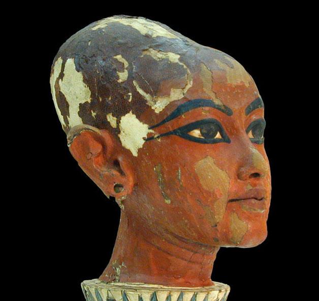 Tête du pharaon enfant Toutankhamon