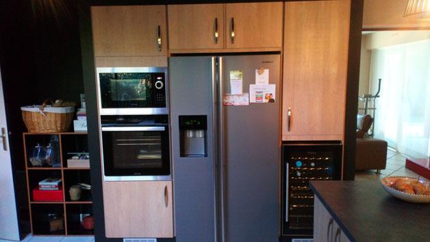 Fabrication d'un bâti pour intégrer four, micro-ondes, réfrigérateur américain et cave  à vin - Cuisine Home Concept - 76840 saint Martin de Boscherville