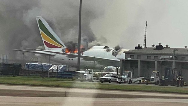 Serious fire damage to ET-ARH, B777 - Image: Twitter/FATIII Aviation