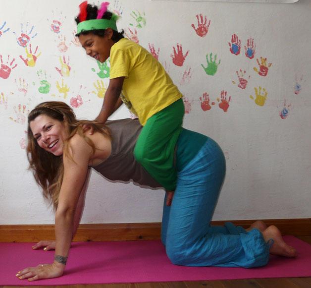 Mehr Übungen auf der Kinderyoga DVD