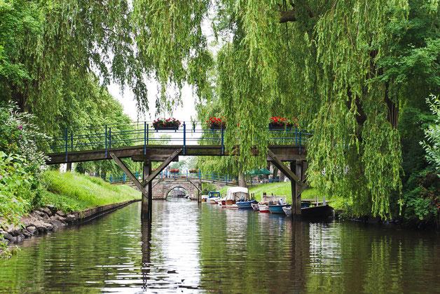 Grachten und Brücken in Friedrichstadt
