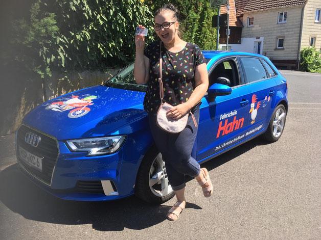 Melanie Hörning hat am 27.06.2019 in Marktheidenfeld ihren Führerschein bestanden