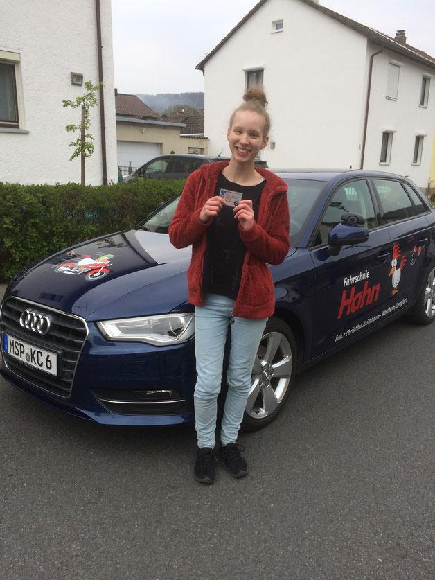 Kerstin Emmert Autoführerschein am 21.04.2017 in Marktheidenfeld