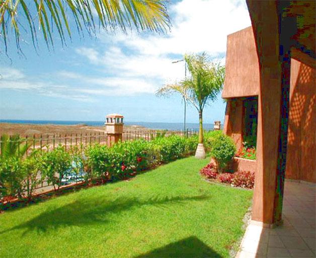 Schöner Garten vor der terrasse mit Meerblick der ferinewohnung La Marea auf Teneriffa