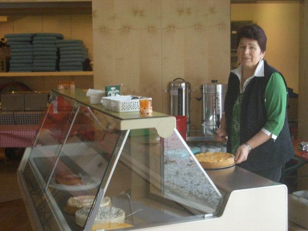 Kaffee und Kuchen Auch an der Kuchentheke hatten die Besucher eine Auswahl von rund 30 verschiedenen Kuchen und Torten