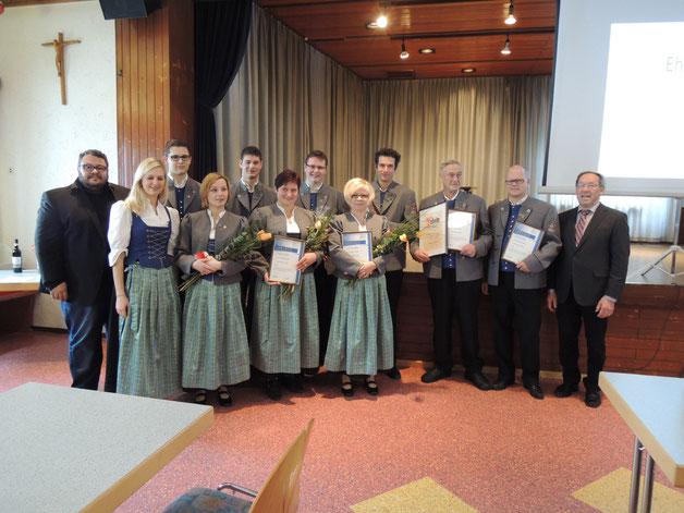 Ehrung verdienter Musiker - Insgesamt neun Aktive wurden für ihre Treue geehrt