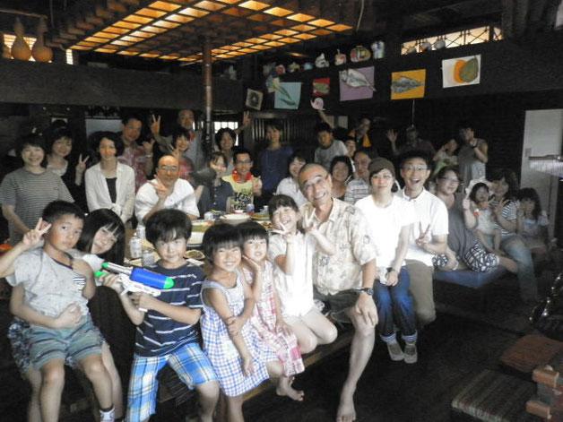 2015くれぱすBBQ懇親会7月26日第1グループ記念写真:参加者は昼夜あわせて55名&パンダ旅館にご宿泊5名