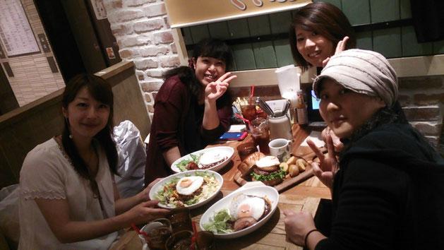 左から Hiromi, ぷりんさん, ともちゃん, ゆっこちゃん