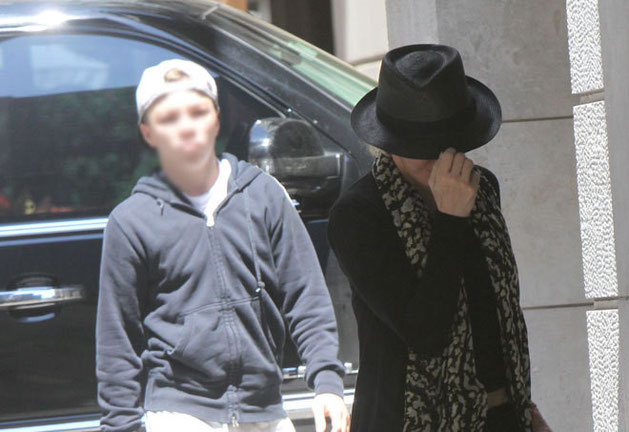 Madonna con su hijo Rocco | Foto: GTRES