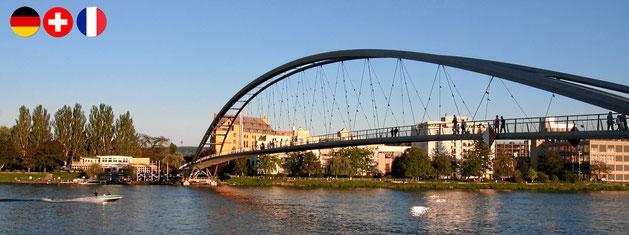 Dreiländerbrücke zwischen Weil am Rhein und Huningue