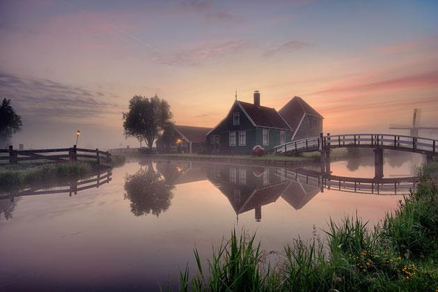 568 Kaasboerderij Zaanse Schans met mist (4988-4993)