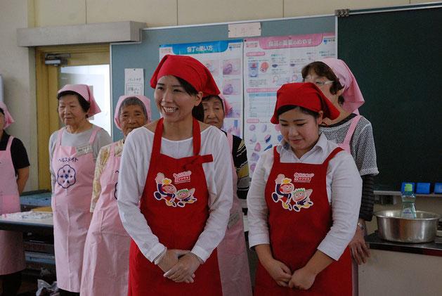 サンドイッチの講師を担当した山崎製パン株式会社の鈴木さんと上保さん