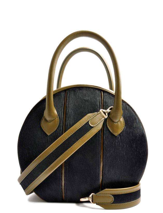 OSTWALD Bags . CIRCLE Bag . olive and blue . leather and calf fur.  Shop online . elegant everyday bag .  Webshop