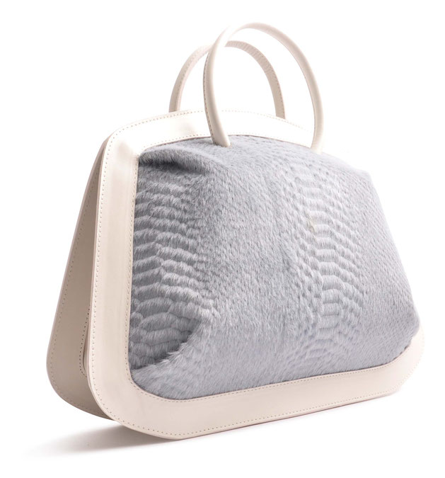 OSTWALD Bags . BUBLE . Tote bag . Icon Bag in light grey.  leather bag . Shop online . Statement Bag .  Webshop