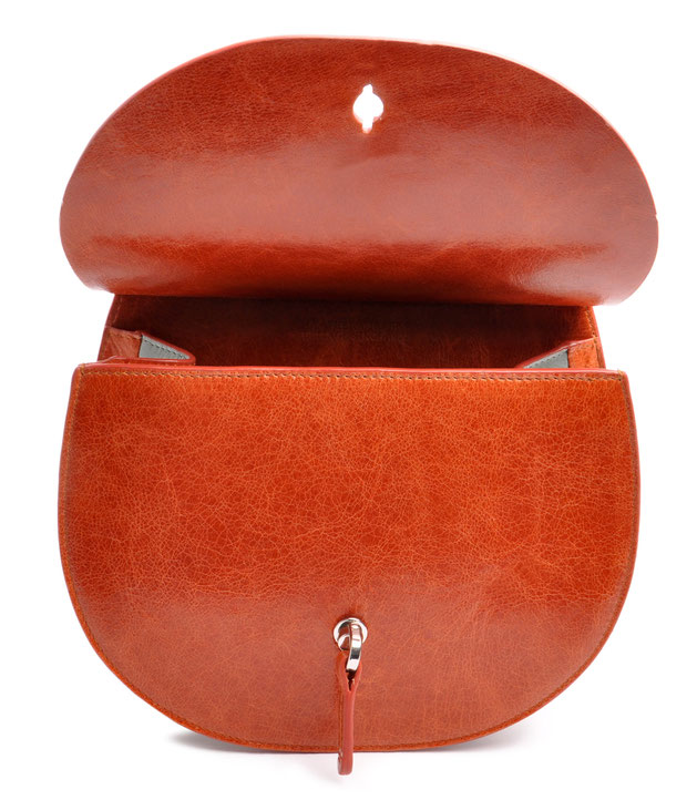OSTWALD Bags . Finest Couture . Handcrafted Leatherbag . Saddle . Shoulder bag . colour cognac salvia