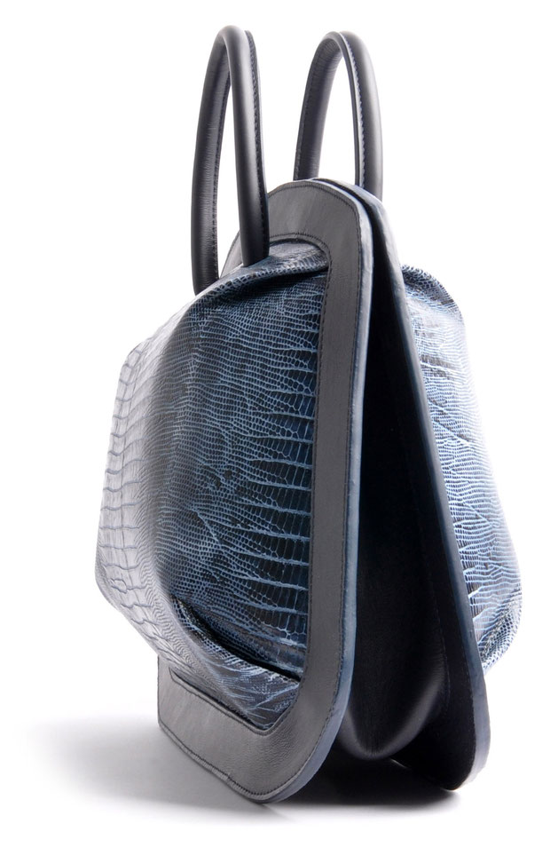 OSTWALD Bags . Finest Couture . Handcrafted Leatherbag . Organic Tote . Bubble . colour navy blue