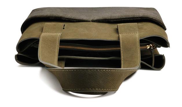 OSTWALD Bags . Shopper . olive . leather and calf fur. olive Shop online . everyday bag .  Webshop